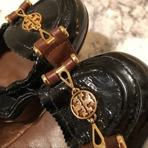 Tory Burch Black & Brown Leather Loafers w/ Gold!